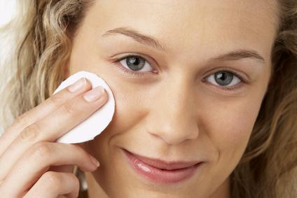 Plfegetipps zur Gesichtsreinigung mit Naturkosmetik Produkten