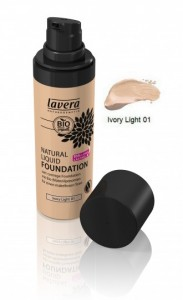 Natural Liquid Foundation Ivory Light 01 30 ml